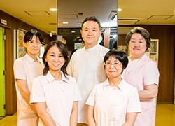 村山内科・胃腸科は福岡市中央区の天神西通りにて1951年に開院しました。